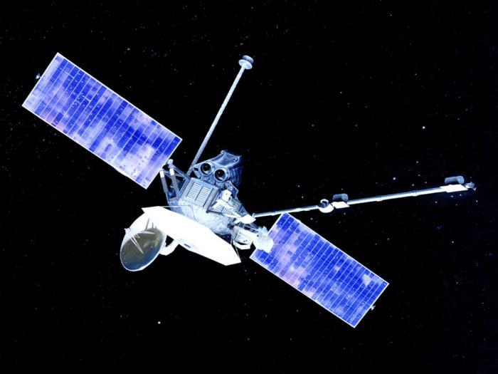 المسبار أو المركبة الفضائية الفضائي مارينر 10